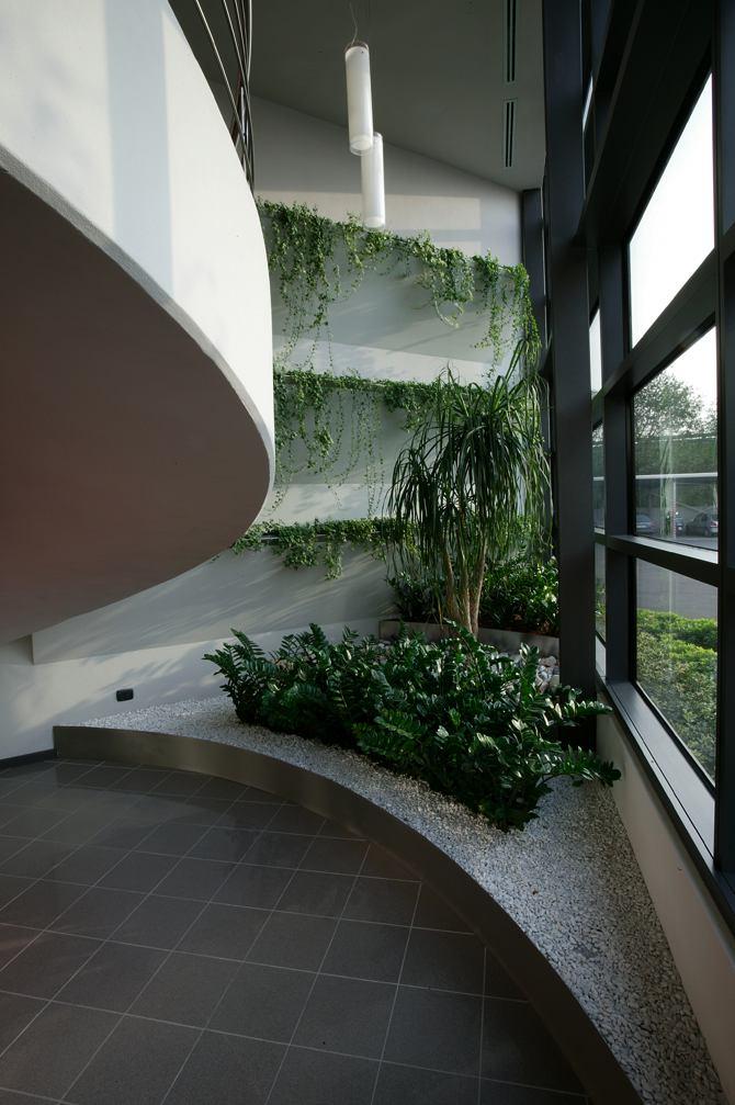 Progettazione arredamento giardini verde fontana s a s - Giardino interno ...
