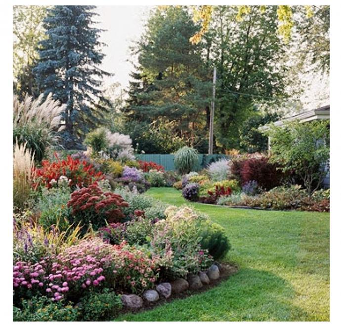 Progettazione arredamento giardini verde fontana s a s for Piante e fiori perenni